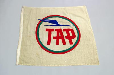 1982.252.40_p1