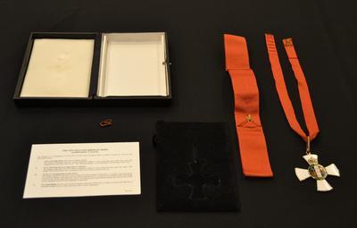 Medal [New Zealand Order Of Merit]; Les Munro; Thomas Fattorini