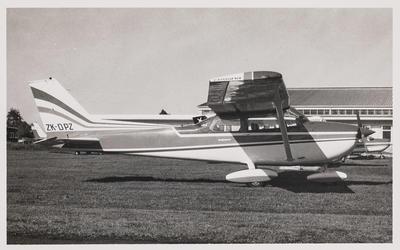 [ZK-DPZ Cessna 172M photograph]
