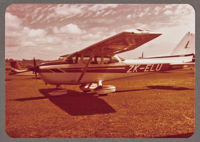 [ZK-ELU Cessna 172 Skyhawk photograph]