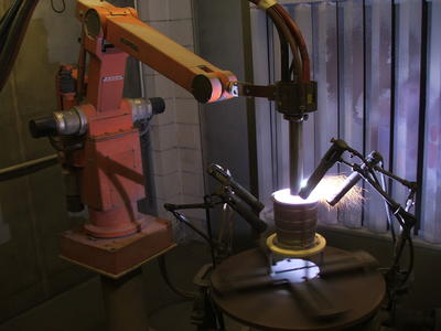 [Application of 'Aluminium Polyester'  by ABB IRB6 robot at Aerospace Thermal Coatings Ltd]