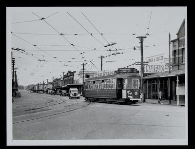 [Tram 251 on Ponsonby Street]