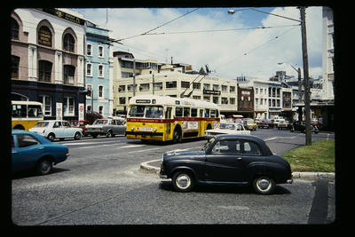 Trolley Bus Customs St East