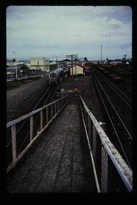 [Ramp to railway platform]