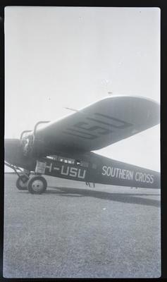 [Landing of Southern Cross at Mangere Flying Club]