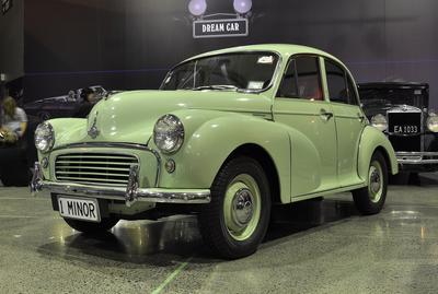 Automobile [Morris Minor 1000]