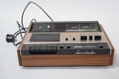 Cassette Stereo Tape Recorder [Akai]