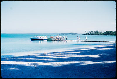 [Passengers departing from beach wharf to board TEAL Short Solent on Coral Route]; Hajo Topzand; 1950s