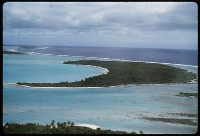 [One of the motus at Aitutaki lagoon]