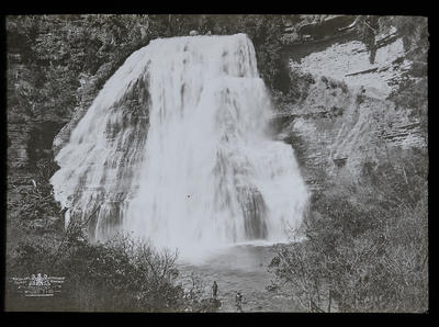 Mokau Falls. Waikaremoana. New Zealand