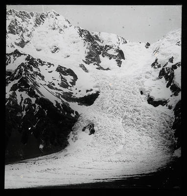 [New Zealand mountainous landscape with snow]; Unknown; Late 19th Century-Early 20th Century