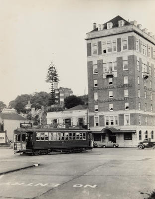 No. 242 turning into Beach Road from [Auckland] Railway Station.