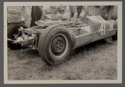 Ross Baker Heron showing rear suspension and Firestone tire 17/11/64