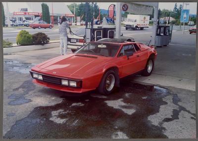 [Red Heron MJ1 at a petrol station]