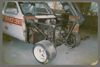 [Racing automobile engine]