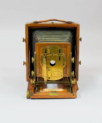 Camera [Instantograph camera]