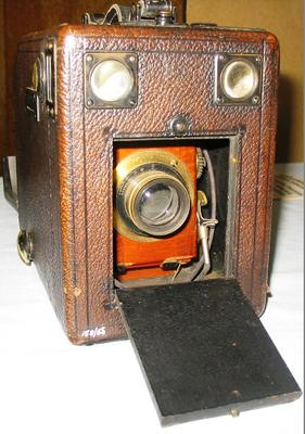 Camera [¼ Plate Box camera]