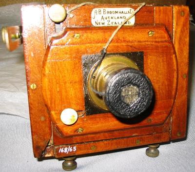Camera [Le Meritoire ¼ Plate Folding Camera]