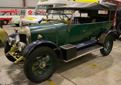 Automobile [Morris Cowley]