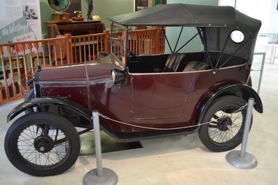 Automobile [1925 Austin 7]