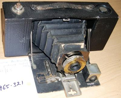 Camera [Brownie Automatic]