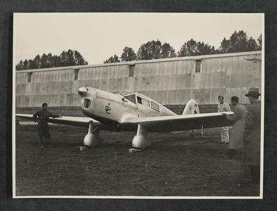 [Percival Gull G-ADPR at Naples Airport after the Australia-England flight was diverted to Naples]